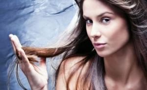 Domowe sposoby na piękne i lśniące włosy.