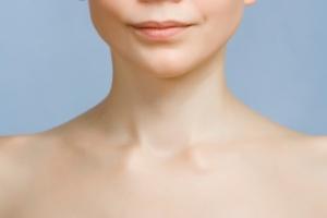 Pielęgnacja dekoltu, szyi i piersi