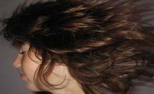 Jak przeciwdziałać rozdwajaniu się włosów